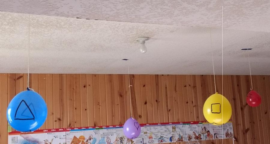 Fun indoor balloon activity